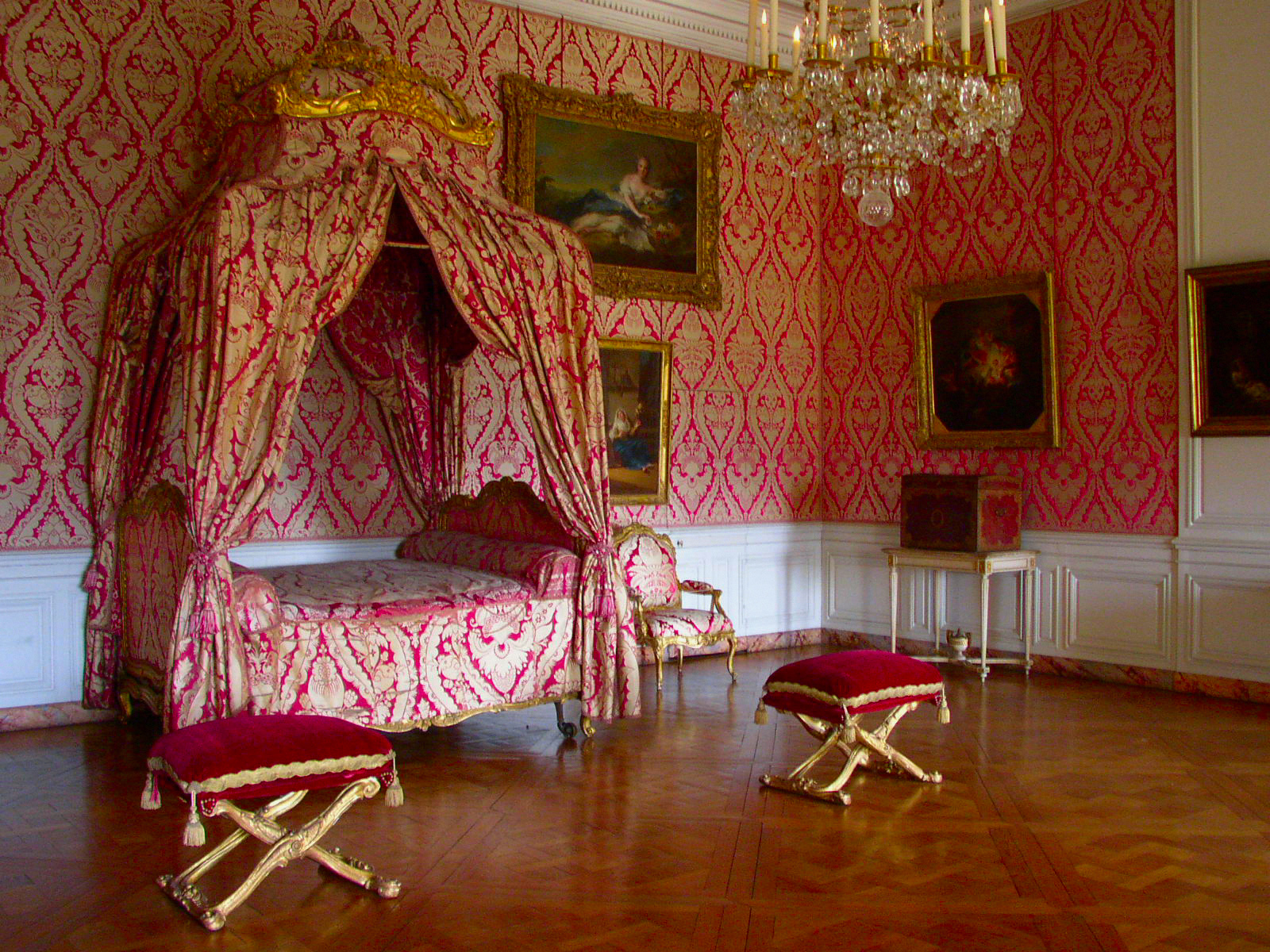 ベルサイユ宮殿のベッド